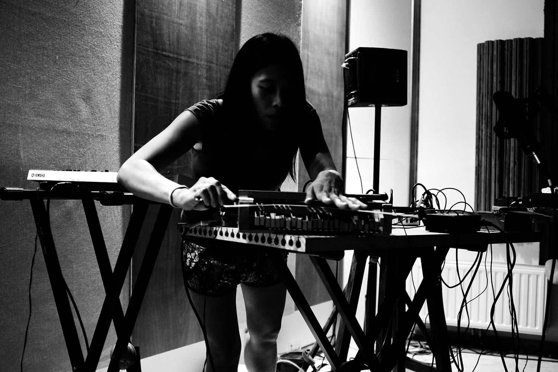 Pak Yan Lau by Laurent Orseau - Fly Music Studio - Brussels, Belgium #8