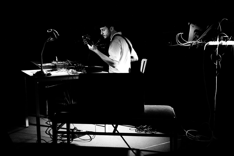 People Skills by Laurent Orseau - Concert - Les Ateliers Claus - Brussels, Belgium #2