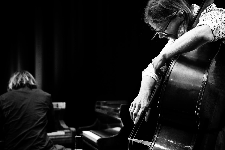 Playing With Standards Trio (Seppe Gebruers & Nils Vermeulen & Paul Lytton) by Laurent Orseau - Summer Bummer Festival - De Studio - Antwerp, Belgium #10