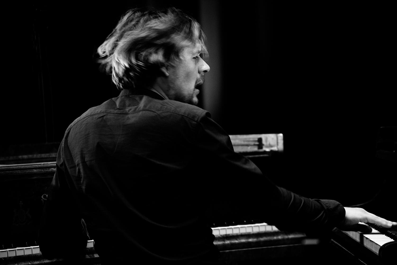 Playing With Standards Trio (Seppe Gebruers & Nils Vermeulen & Paul Lytton) by Laurent Orseau - Summer Bummer Festival - De Studio - Antwerp, Belgium #13