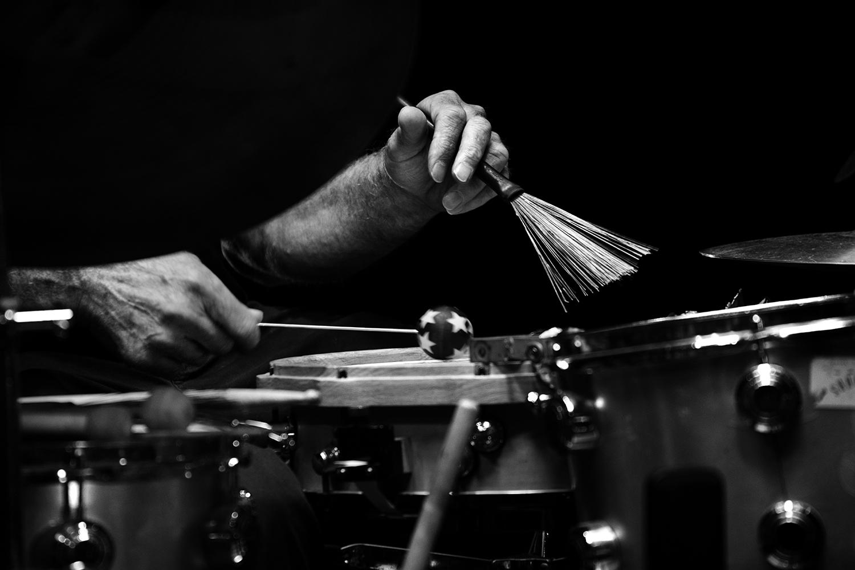 Playing With Standards Trio (Seppe Gebruers & Nils Vermeulen & Paul Lytton) by Laurent Orseau - Summer Bummer Festival - De Studio - Antwerp, Belgium #15