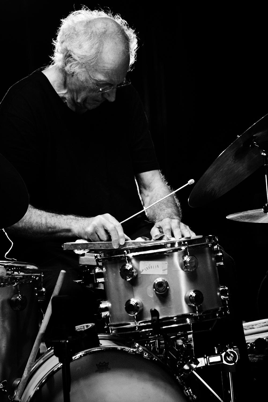 Playing With Standards Trio (Seppe Gebruers & Nils Vermeulen & Paul Lytton) by Laurent Orseau - Summer Bummer Festival - De Studio - Antwerp, Belgium #8
