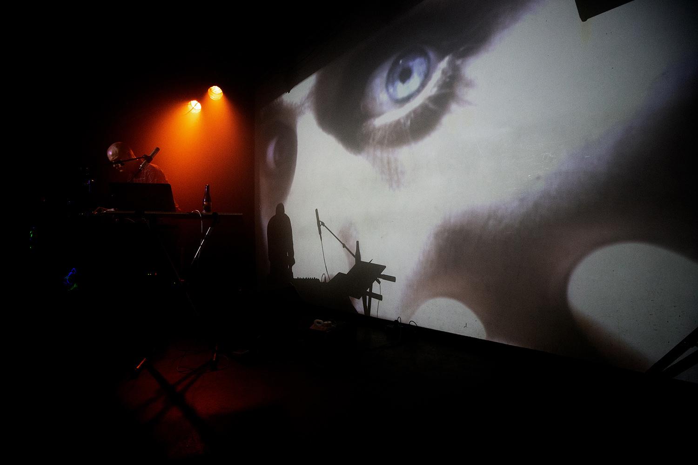 Run Dust (Luke Calzonetti) - SMOG - Les Ateliers Claus - Brussels, Belgium