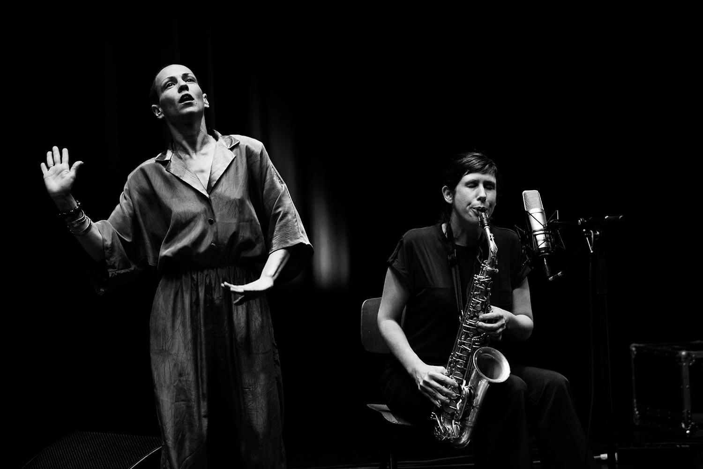 Sofia Kakouri & Lazara Rosell Albear & Audrey Lauro by Laurent Orseau - Summer Bummer Festival - De Studio - Antwerp, Belgium #4