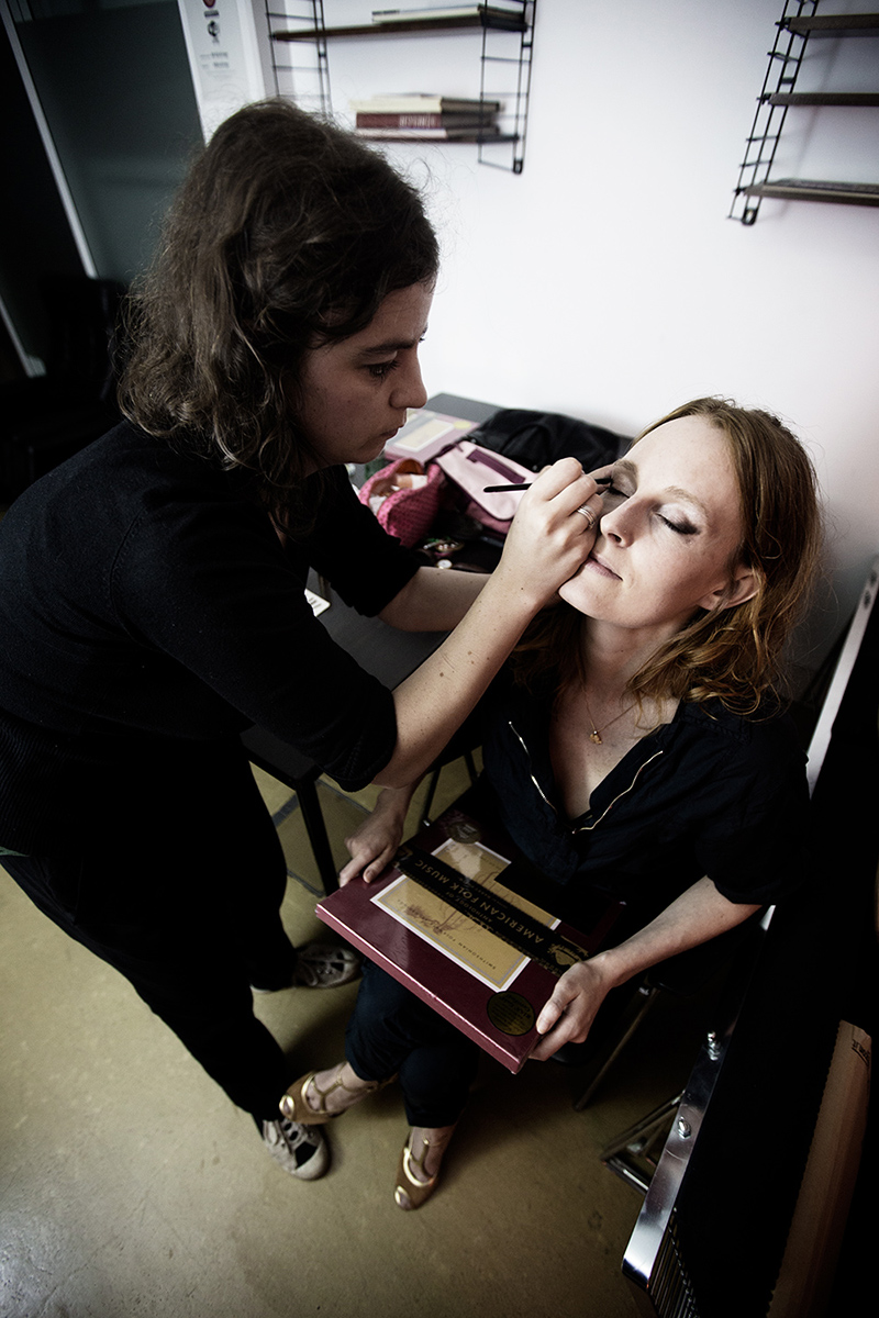 The Golden Glows - Backstage by Laurent Orseau - AB Salon - Brussels, Belgium #7