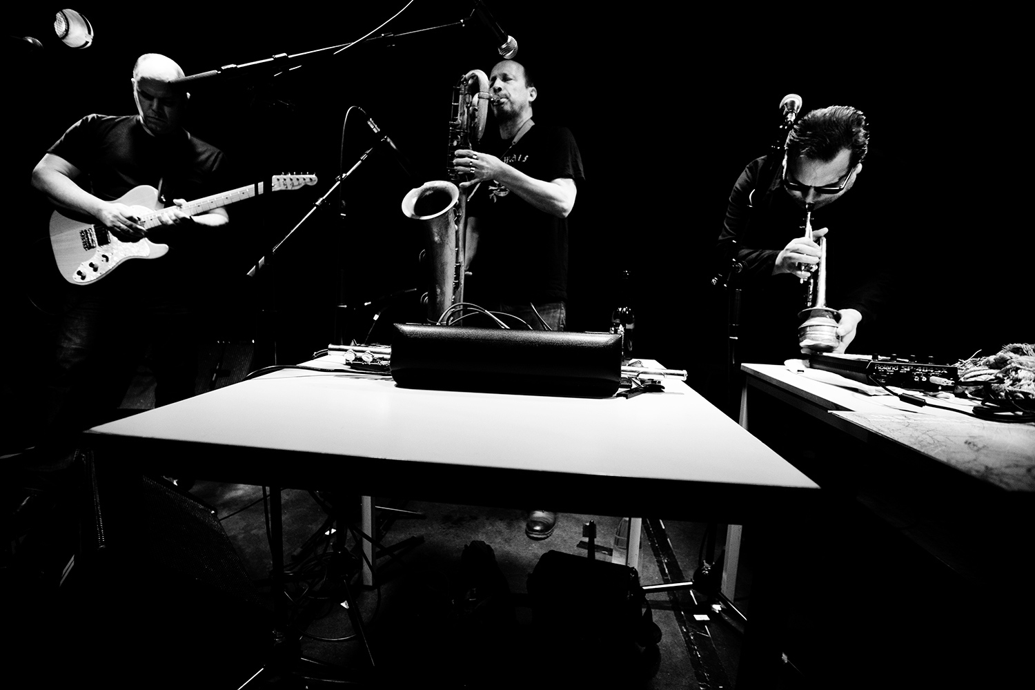 The Underflow (David Grubbs & Mats Gustavsson & Rob Mazurek) by Laurent Orseau - Oorstof | Sound In Motion - Les Ateliers Claus - Brussels, Belgium #1