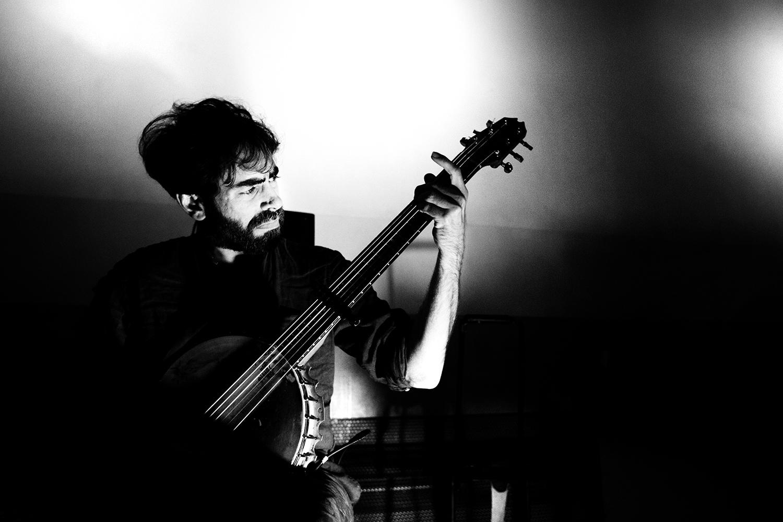 Thomas Bonvalet & Jean-Luc Guionnet by Laurent Orseau - Concert - Instants Chavirés - Montreuil, France #10
