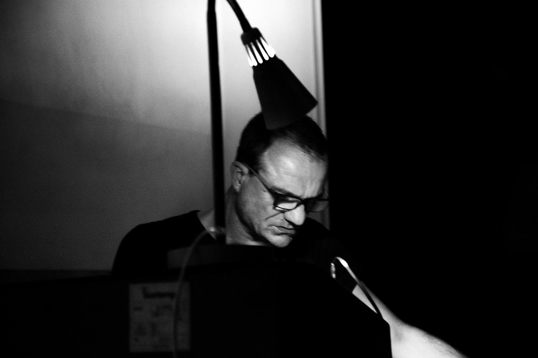 Thomas Bonvalet & Jean-Luc Guionnet by Laurent Orseau - Concert - Instants Chavirés - Montreuil, France #7