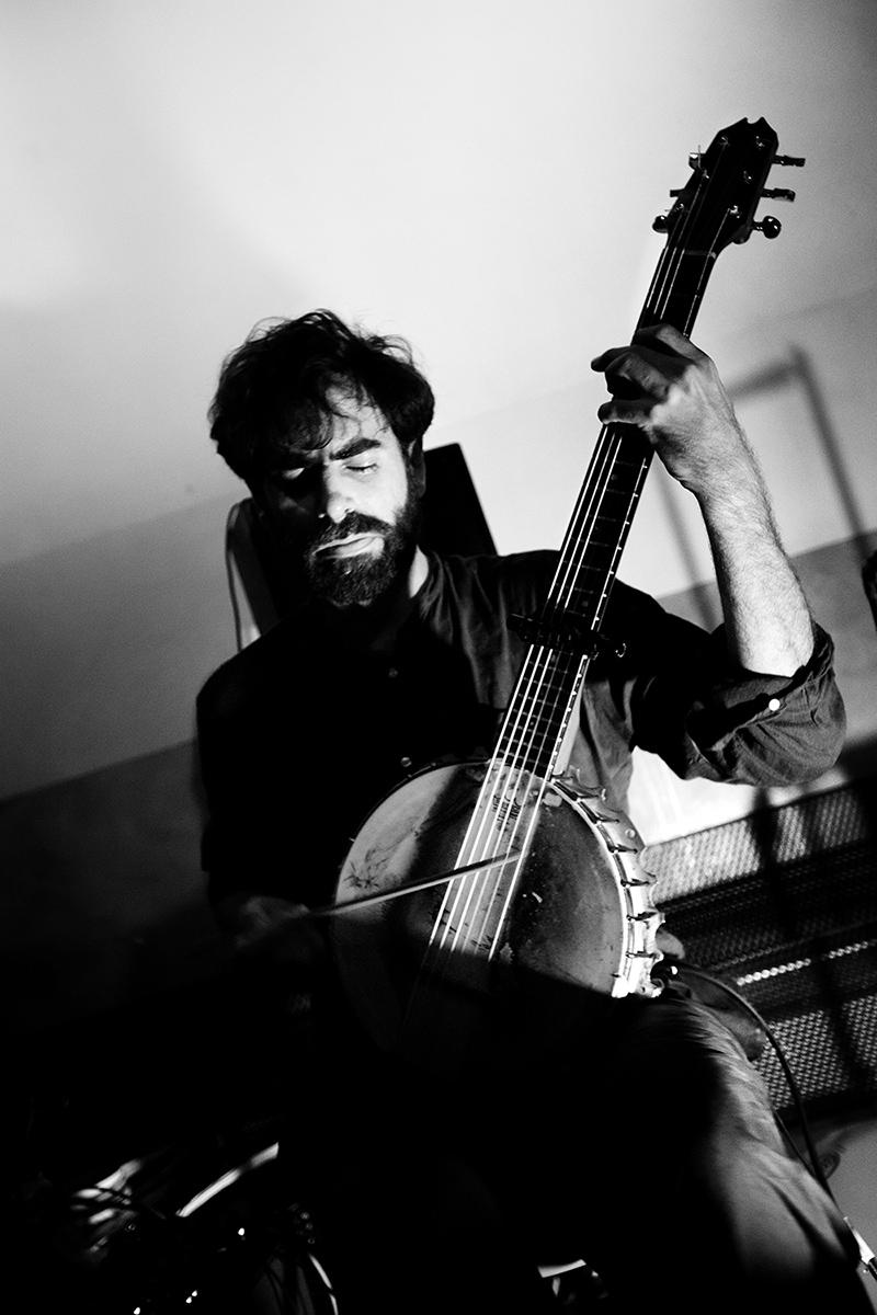 Thomas Bonvalet & Jean-Luc Guionnet by Laurent Orseau - Concert - Instants Chavirés - Montreuil, France #8