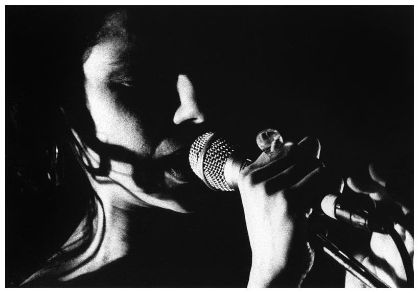 PJ Harvey by Laurent Orseau - Le Cabaret Sauvage - Paris, France #2